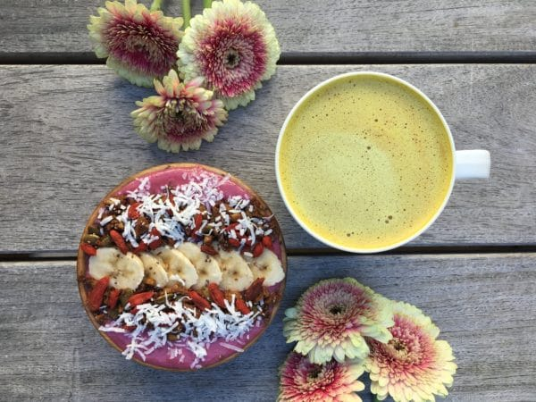 smoothie bowl with flowers